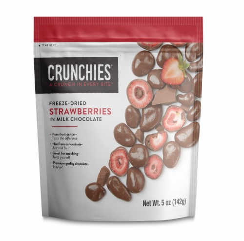 Crunchies Milk Chocolate Freeze-Dried Strawberries Perspective: front