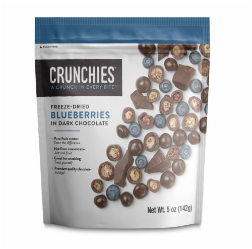 Crunchies Dark Chocolate Freeze Dried Blueberries Perspective: front