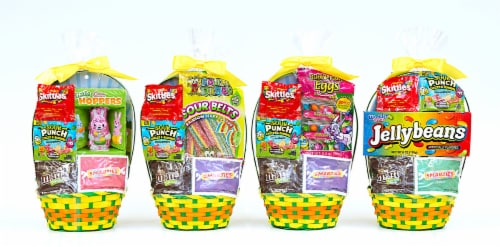 Wondertreats Small Candy Basket with Assorted Candies Perspective: front