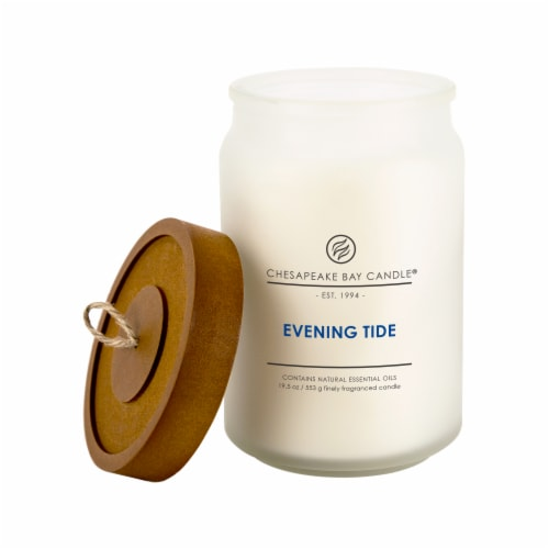 Chesapeake Bay Candle Evening Tide Jar Candle Perspective: front