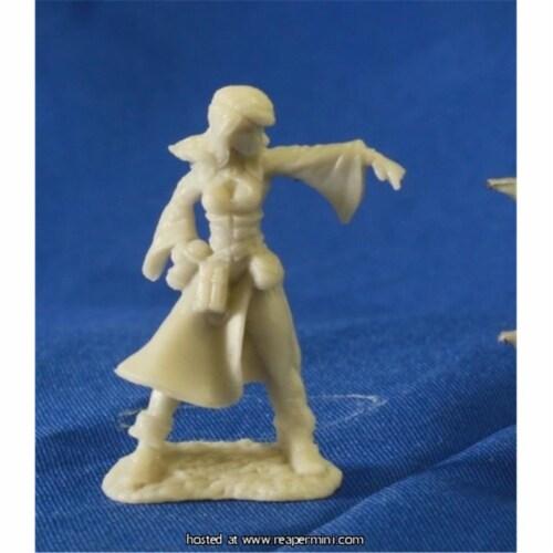 Reaper Miniatures REM77057 Juliette, Female Sorceress - Bobby Jackson Perspective: front