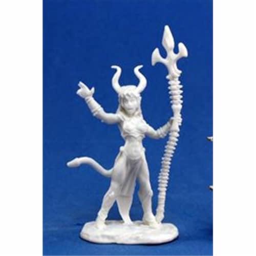 Reaper Miniatures 77119 Bones - Sinessa, Hellborn Sorceress Perspective: front