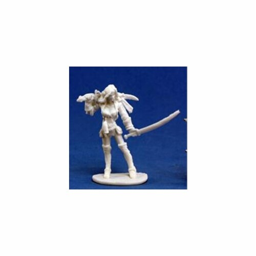 Reaper Miniatures 77131 Bones - Finaela, Female Pirate Perspective: front