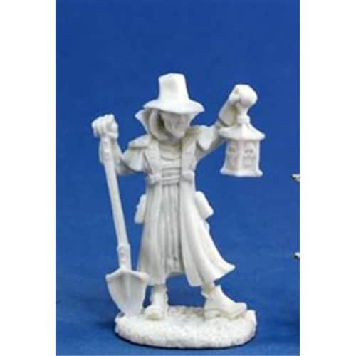 Reaper Miniatures 77143 Bones - Townsfolk Undertaker Perspective: front