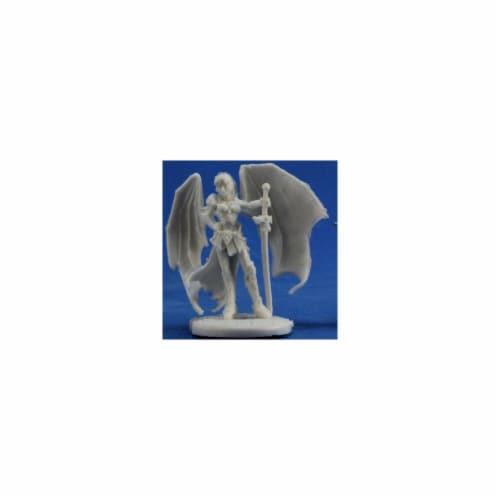 Reaper Miniatures REM77370 Bones-Troll Slayer Sophie Perspective: front