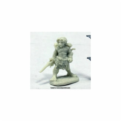Reaper Miniatures REM77403 25mm Scale Dingo, Halfling Rogue - Werner Klocke Perspective: front