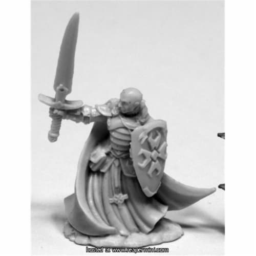 Reaper Miniatures REM77423 25mm Scale Sir Malcolm, Templar Lightbringer - Bobby Jackson Perspective: front