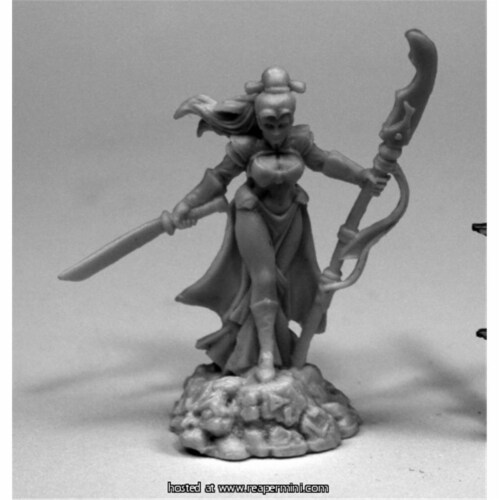 Reaper Miniatures REM77440 25mm Scale Masumi, Demon Hunter - Bob Ridolfi Perspective: front