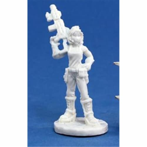 Reaper Miniatures 80008 Bones - Chrono Rosie, Chronotechnician Perspective: front