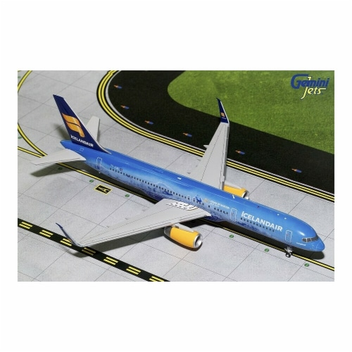 Gemini200 G2ICE676 Icelandair Boeing 757-200S Scale 1 by 200 80th Anniversary TF-FIR Perspective: front