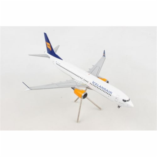 Gemini200 G2ICE733 Icelandair 737MAX8 1-200 New Livery Reg No. TC-ICE Diecast Airplane Model Perspective: front