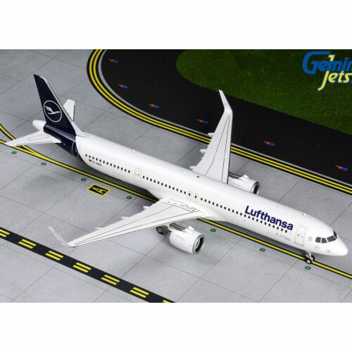 Gemini200 G2DLH742 Lufthansa A321NEO 1-200 Reg D-AIEA New Livery Model Airplane Perspective: front