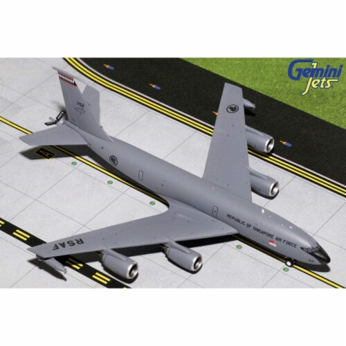 Gemini200 G2SAF746 RSAF Republic of Singapore Air Force KC135R Scale 1 by 200 752 Perspective: front