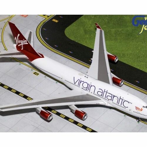 Gemini200 G2VIR766 Virgin Atlantic Boeing 747-400 Scale 1 by 200 Reg No. G-VBIG Perspective: front