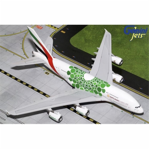 Gemini200 G2UAE774 Emirates Airbus A380 Scale 1 by 200 Green Expo 2020 Reg No. A6-EEW Perspective: front