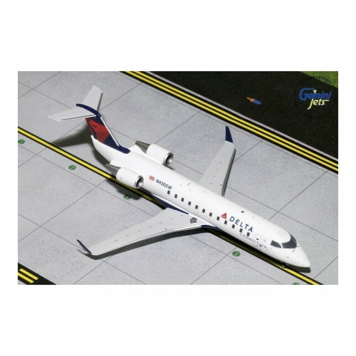 Gemini200 G2DAL793 Delta Airlines Bombardier CRJ200 Scale 1 by 200 Reg No. N430SW Perspective: front