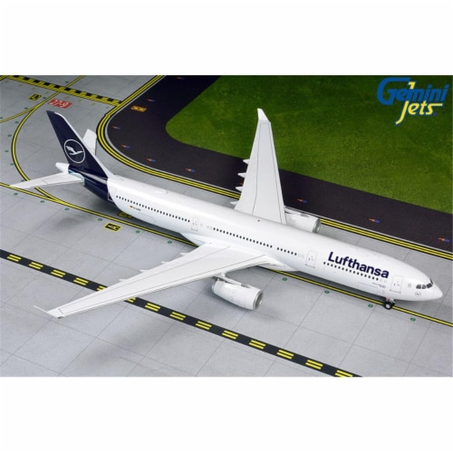 Gemini200 G2DLH798 Lufthansa A330-300 1-200 New Livery Reg D-AIKO Model Airplane Perspective: front