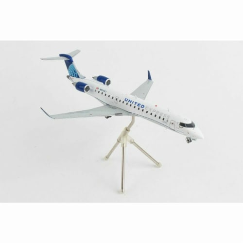 Gemini200 G2UAL879 United Express CRJ550 1-200 Gojet Reg No. N504Gj Aircraft Perspective: front