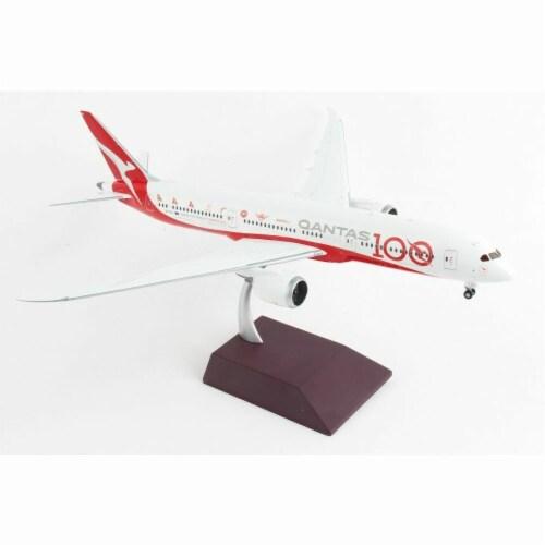 Gemini200 G2QFA885 Qantas 787-9 1-200 Qantas 100 Reg No. VH-ZNJ Aircraft Perspective: front