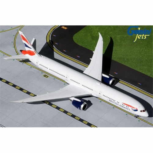 Gemini200 G2BAW904 1 by 200 Scale British Airways Boeing 787-10 Dreamliner G-ZBLA Die-Cast Me Perspective: front