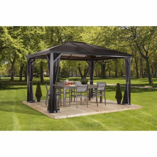 Sojag 310-9160727 10 x 10 ft. Verona No.77 Gazebo Polycarbonate Roof - 6 mm Perspective: front