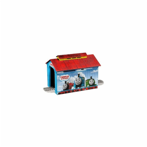 Lionel LNL1930130 Thomas & Friends Covered Bridge Figure Perspective: front
