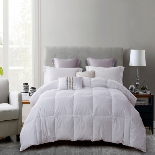 Martha Stewart 240 Thread Count White Feather and Down Fiber Comforter Perspective: front