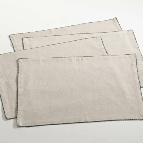 SARO 105.G1420B Crochet Scalloped Design Table Linens  Green - Set of 4 Perspective: front