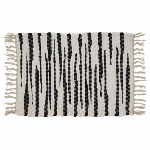 Saro Lifestyle 3333.BW1420B 14 x 20 in. Oblong Cotton Placemats with Black & White Zebra Perspective: front