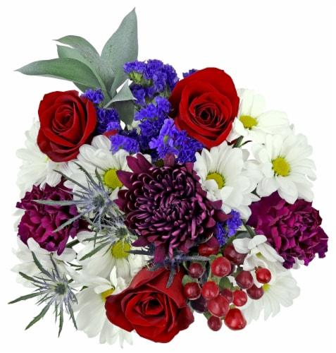 Berry Cobbler Bouquet Perspective: front