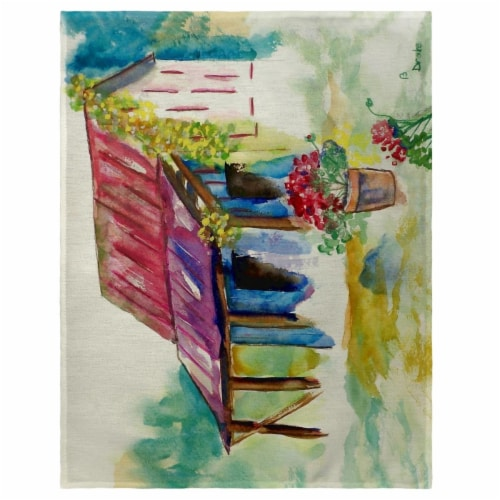 Betsy Drake PM054 14 x 18 in. Barn & Geraniums Place Mat - Set of 4 Perspective: front