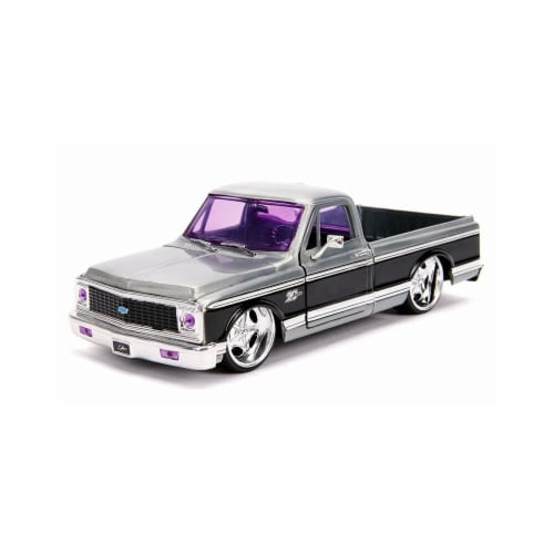 1 by 24 Scale Bigtime Kustoms Diecast Model Car for 1972 Chevrolet Cheyenne, Raw Metal & Blac Perspective: front