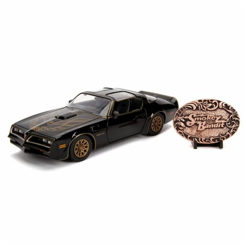 1 by 24 Scale 1977 Smokey & The Bandit Pontiac Firebird Model Car with Replica Belt Buckle Perspective: front