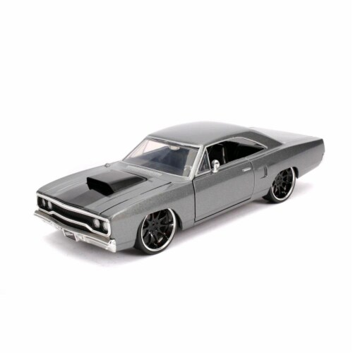 Jada 30745 Doms Plymouth Road Runner Hood Stripe Fast & Furious Movie 1 by 24 Diecast Model C Perspective: front