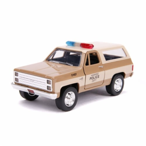Jada 31114 Hoppers Chevrolet Blazer 1 by 32 Diecast Model Car Perspective: front