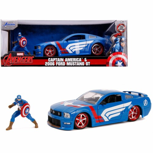 Jada JA31187 2006 Ford Mustang GT with Captain America Diecast Figurine Avengers Marvel Serie Perspective: front