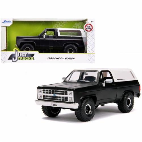 Jada 31590 1980 Chevrolet Blazer K5 Off Road Matt Black & White Just Trucks 1 by 24 Diecast M Perspective: front