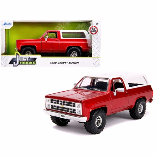 Jada 31594 1980 Chevrolet Blazer K5 Off Road Metallic Red & White Just Trucks 1 by 24 Diecast Perspective: front
