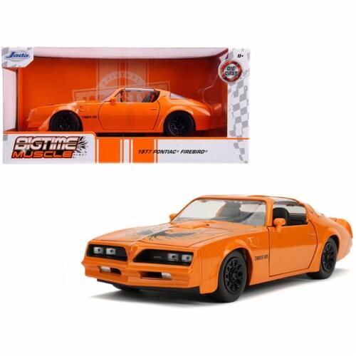 Jada 31601 1977 Pontiac Firebird Trans Am Metallic Orange with Black Wheels Bigtime Muscle 1 Perspective: front