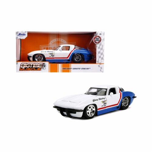 Jada 31666 1963 Chevrolet Corvette Stingray White & Blue with Red Stripe Chevy Racing Bigtime Perspective: front