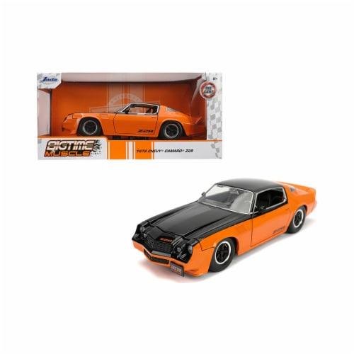 Jada 31669 1979 Chevrolet Camaro Z28 Black & Orange Bigtime Muscle 1-24 Diecast Model Car Perspective: front