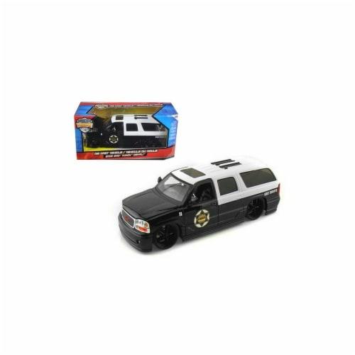 Jada 96367 2002 GMC Yukon Denali Police 1-24 Diecast Model Car Perspective: front
