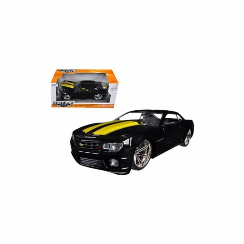 Jada 96762blk 2010 Chevrolet Camaro SS Black with Yellow Stripes 1-24 Diecast Model Car Perspective: front