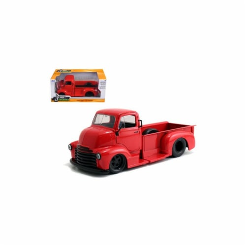 Jada 97046 1952 Chevrolet COE Pickup Truck Red with Black Wheels 1-24 Diecast Model Perspective: front