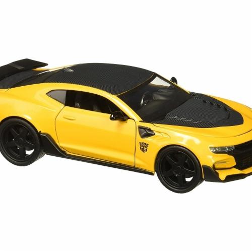 Jada Toys 98399 Bumblebee - 2016 Chevrolet Camaro Model Car Perspective: front