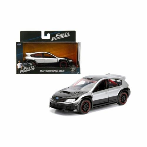 Jada Toys 98507 1 isto 32 Brians Subaru Impreza WRX STI Fast & Furious Movie Diecast Model Ca Perspective: front