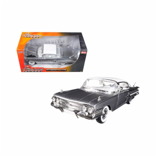 Jada Toys 98902 1 isto 24 1960 Chevrolet Impala Silver Showroom Floor Diecast Model Car Perspective: front