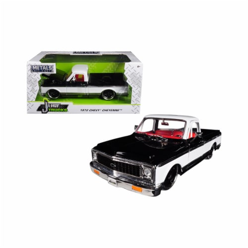 Jada Toys 99047 1 isto 24 1972 Chevrolet Cheyenne Pickup Truck Diecast Model Car - Black & Wh Perspective: front