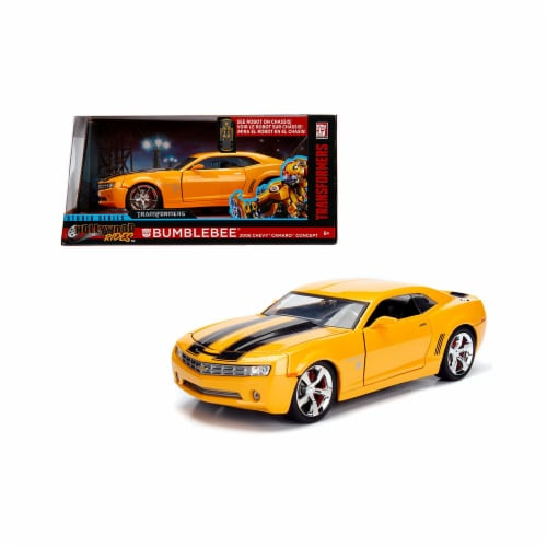 Jada Toys 99382 1 isto 24 2006 Chevrolet Camaro Concept Bumblebee from Transformers Movie Hol Perspective: front