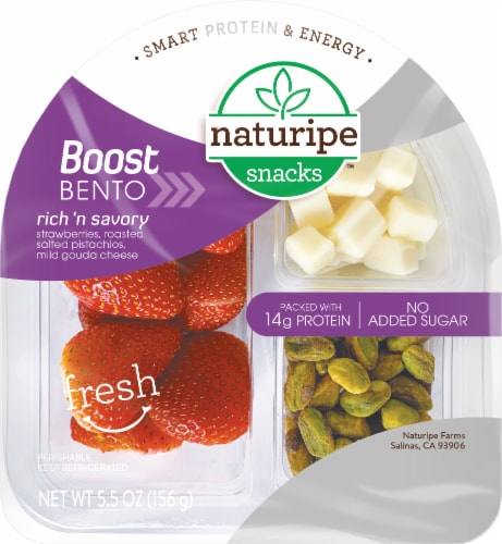 Naturipe Rich & Savory Strawberries Roasted Salted Pistachios & Mild Gouda Cheese Snack Perspective: front